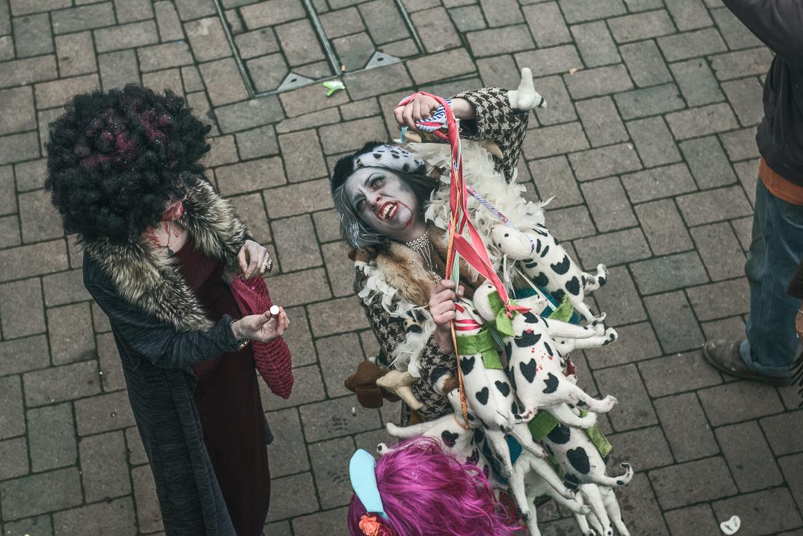 004-zombie_walk