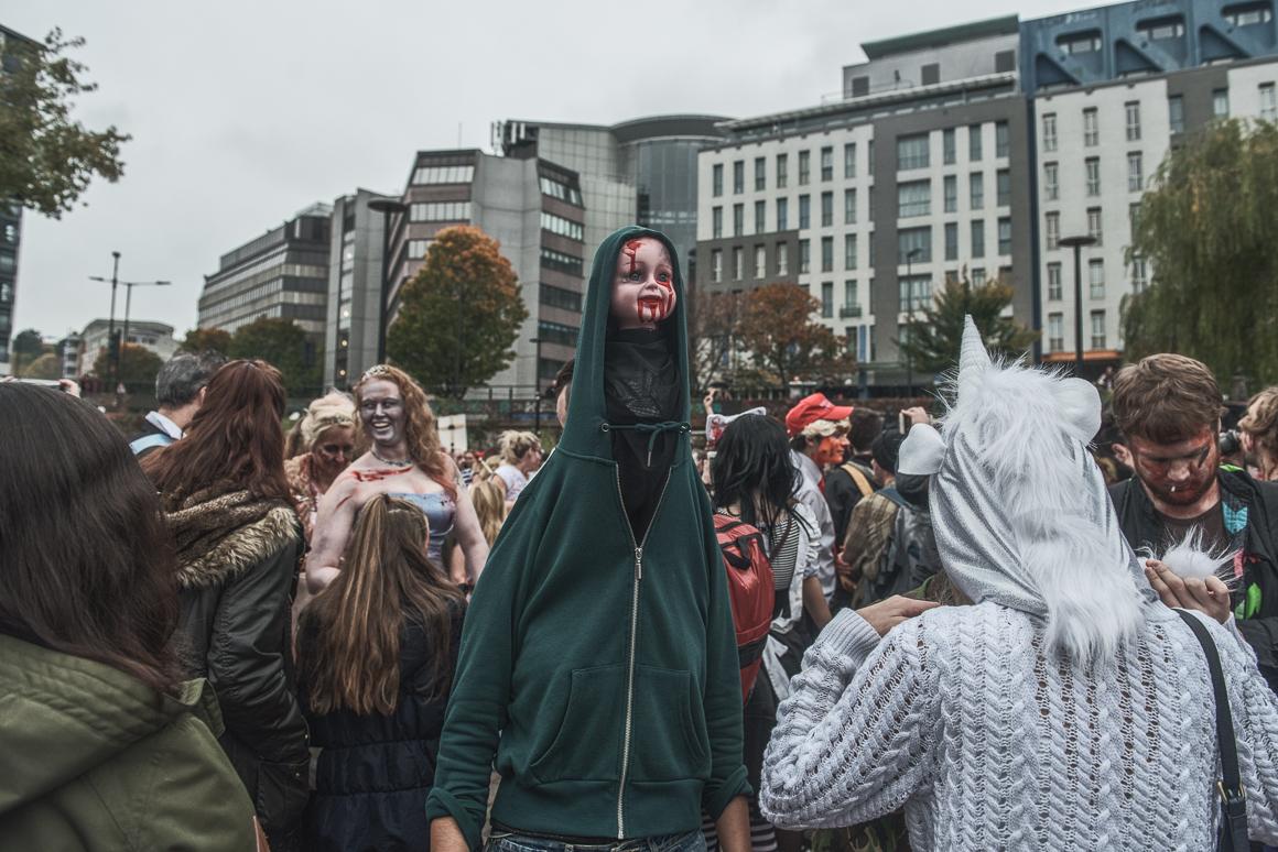 005-zombie_walk