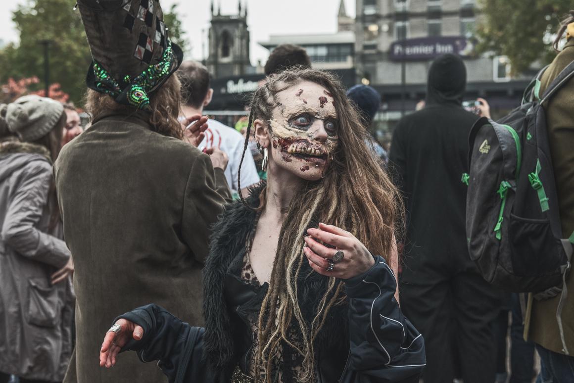 009-zombie_walk