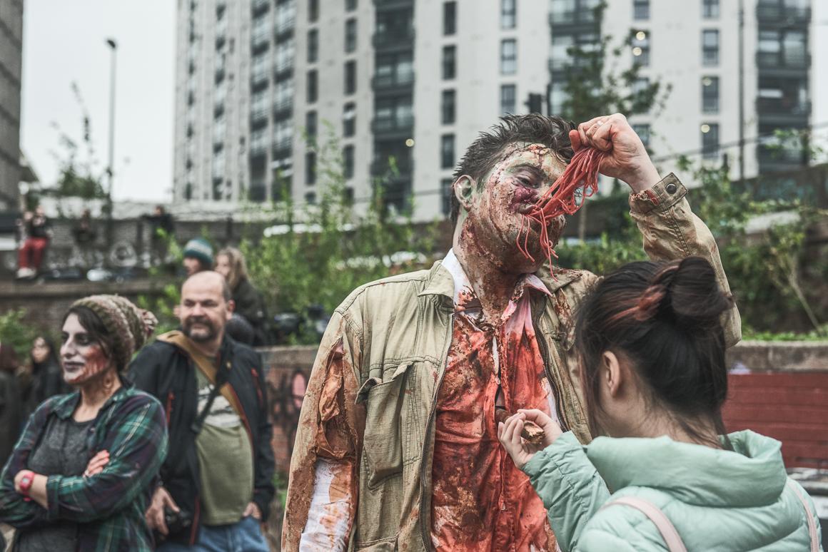 011-zombie_walk