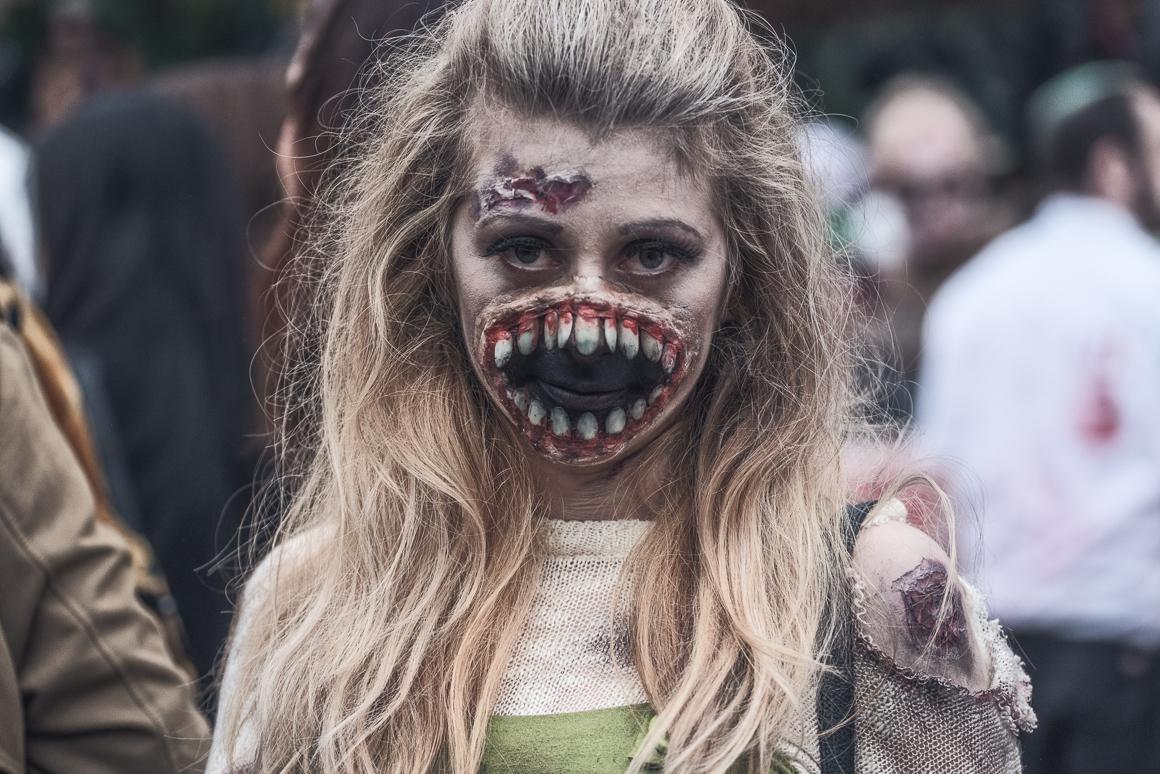 012-zombie_walk
