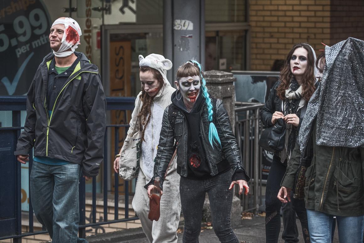 016-zombie_walk