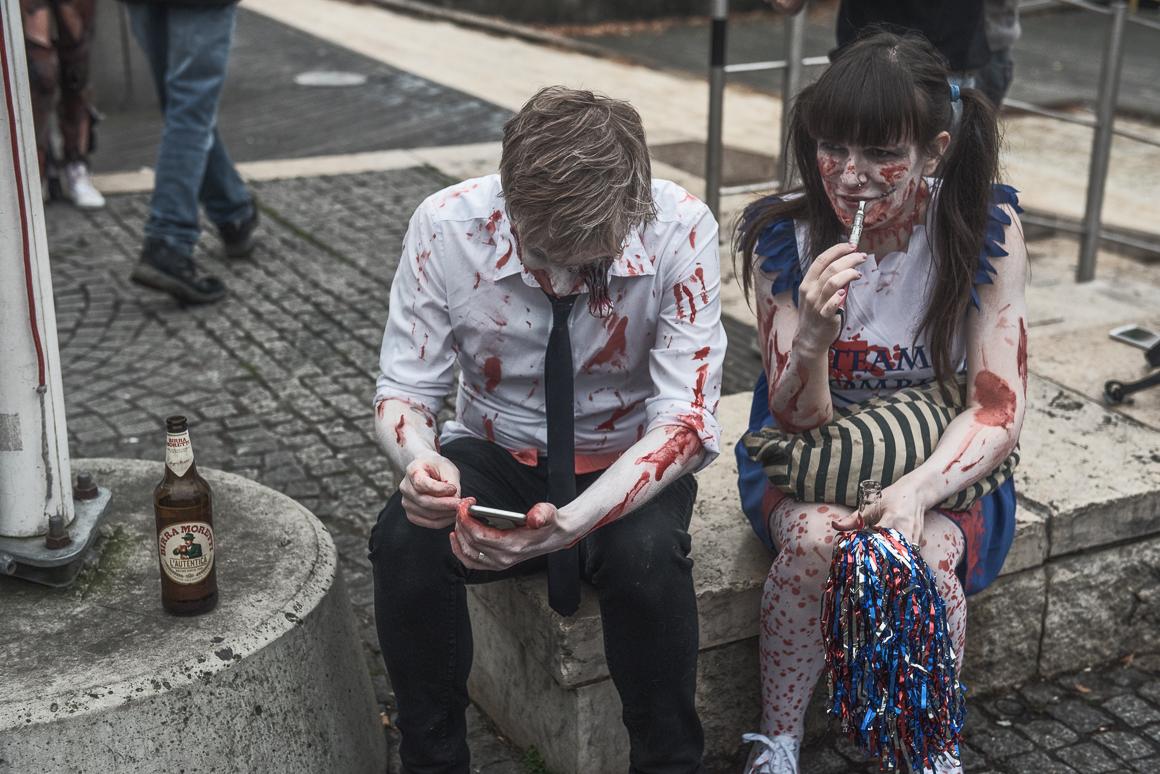 020-zombie_walk