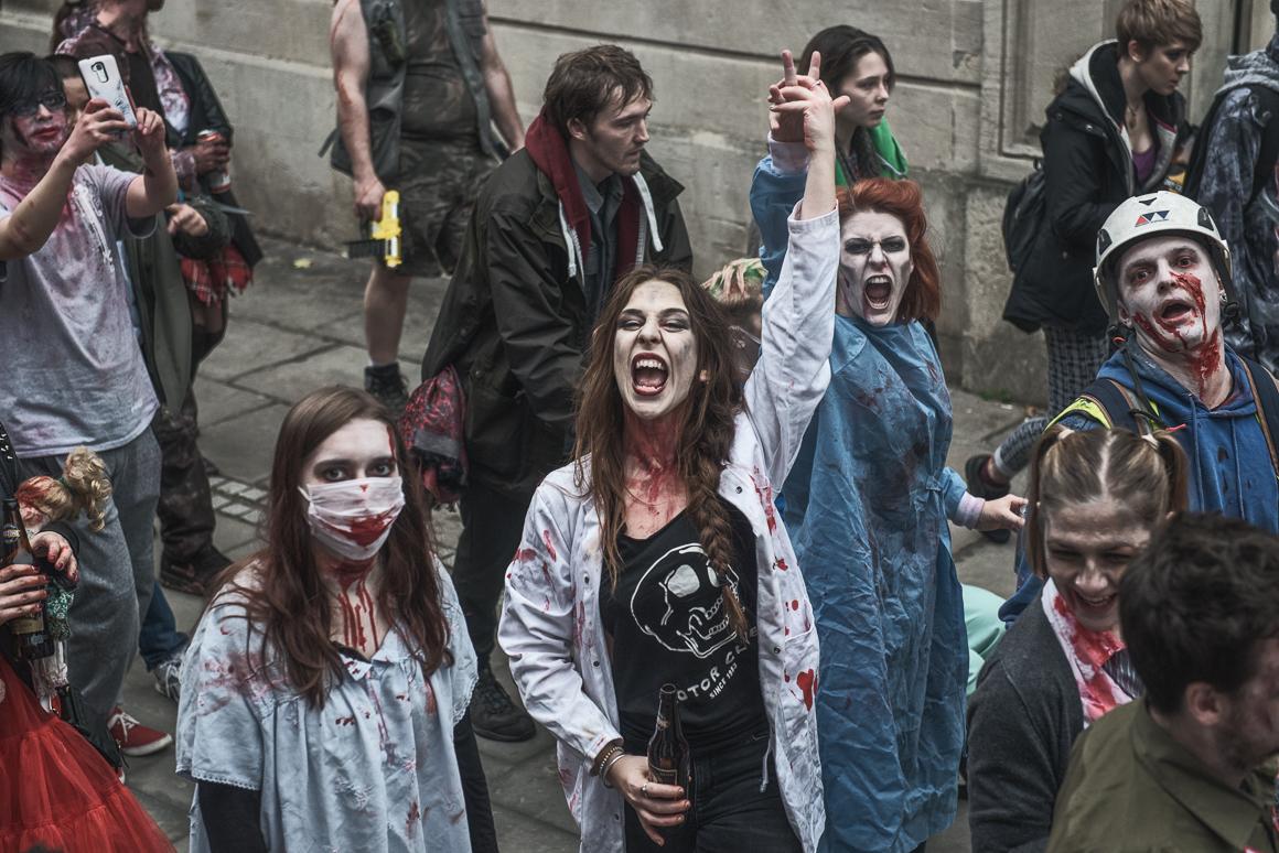 021-zombie_walk